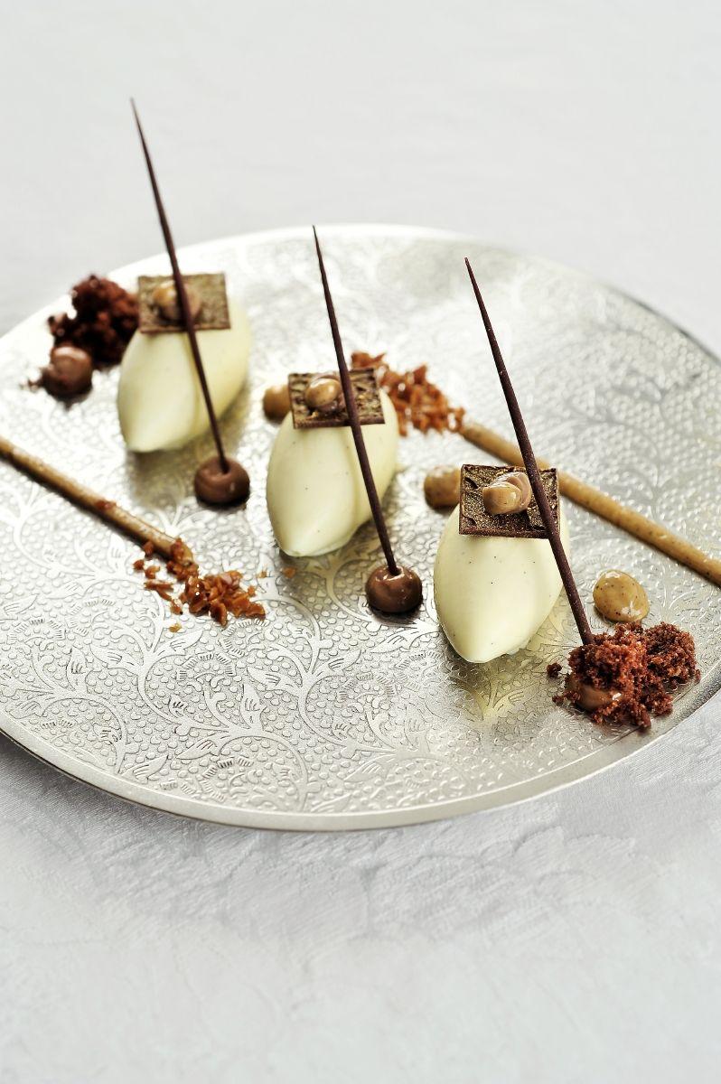 Mascarponemousse met koffiecrunch en chocolade
