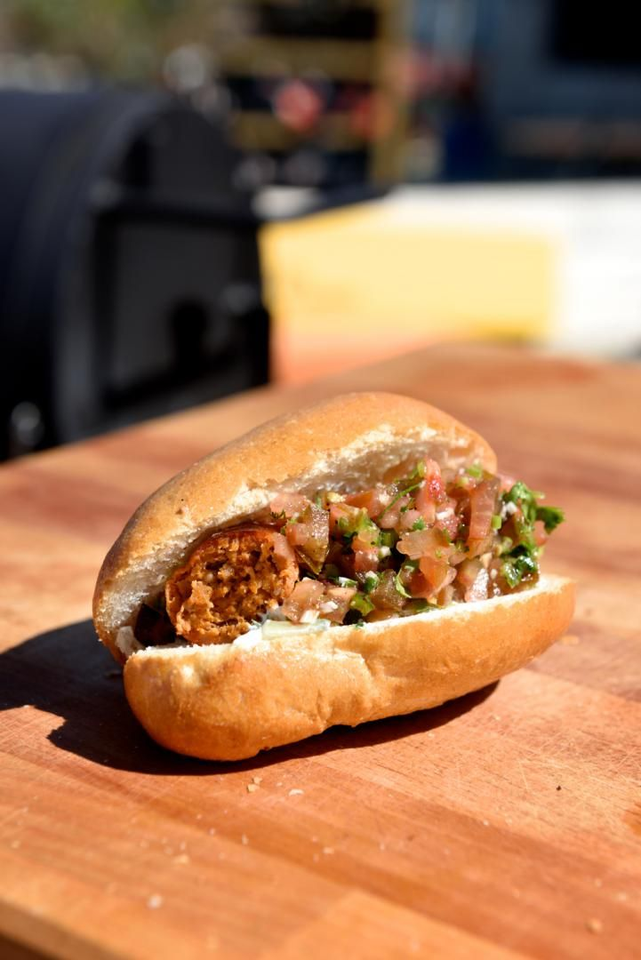 Hotdog met baba ghanouch