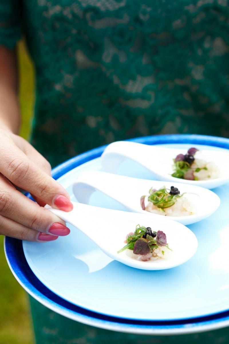 Tartaar van zeebaars met wakame en oestermayonaise