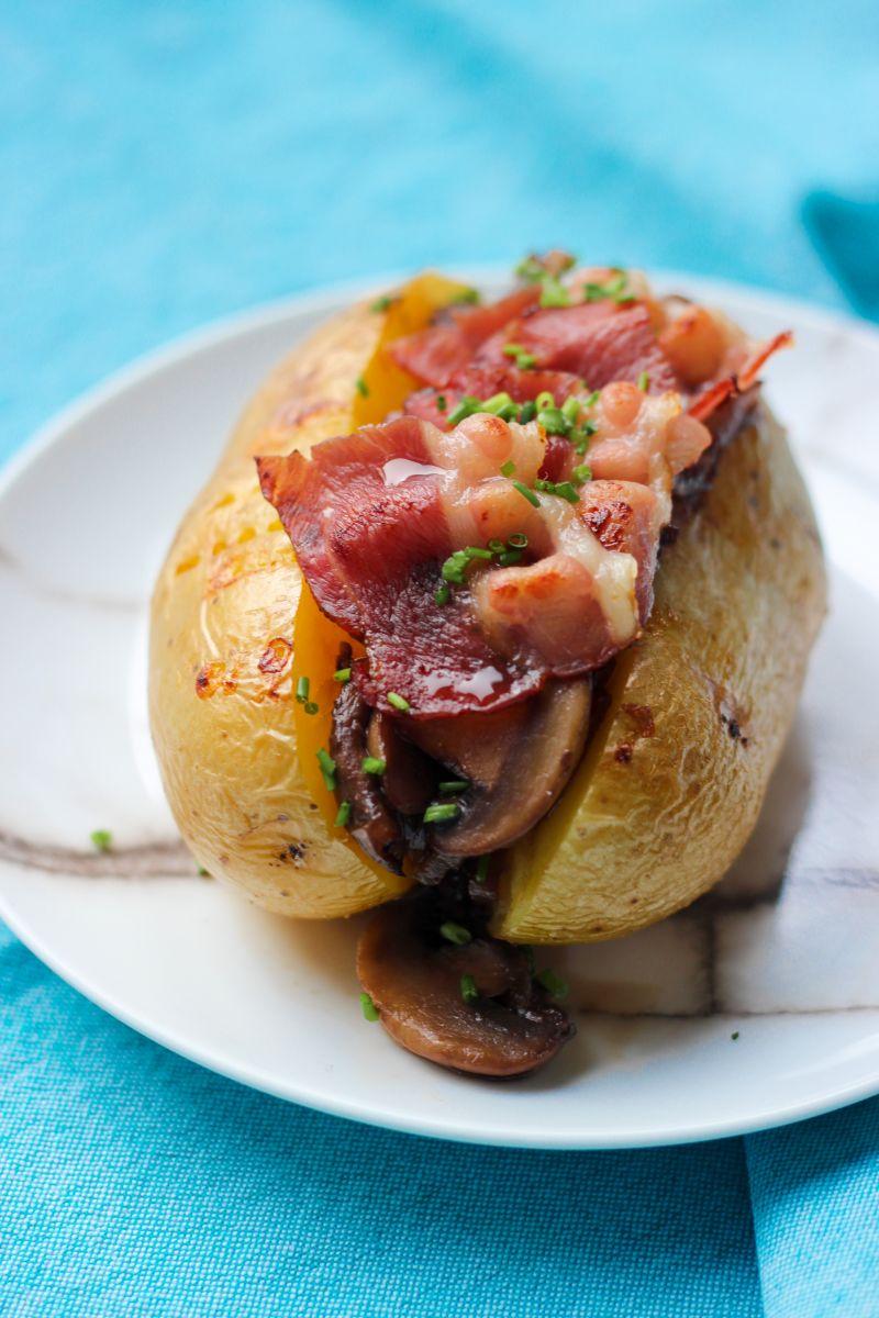 Gevulde aardappel met champignons en spek