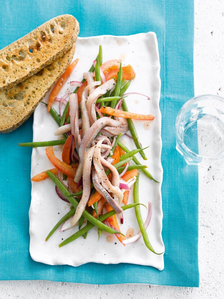 Salade van fijne boontjes en maatjesharing