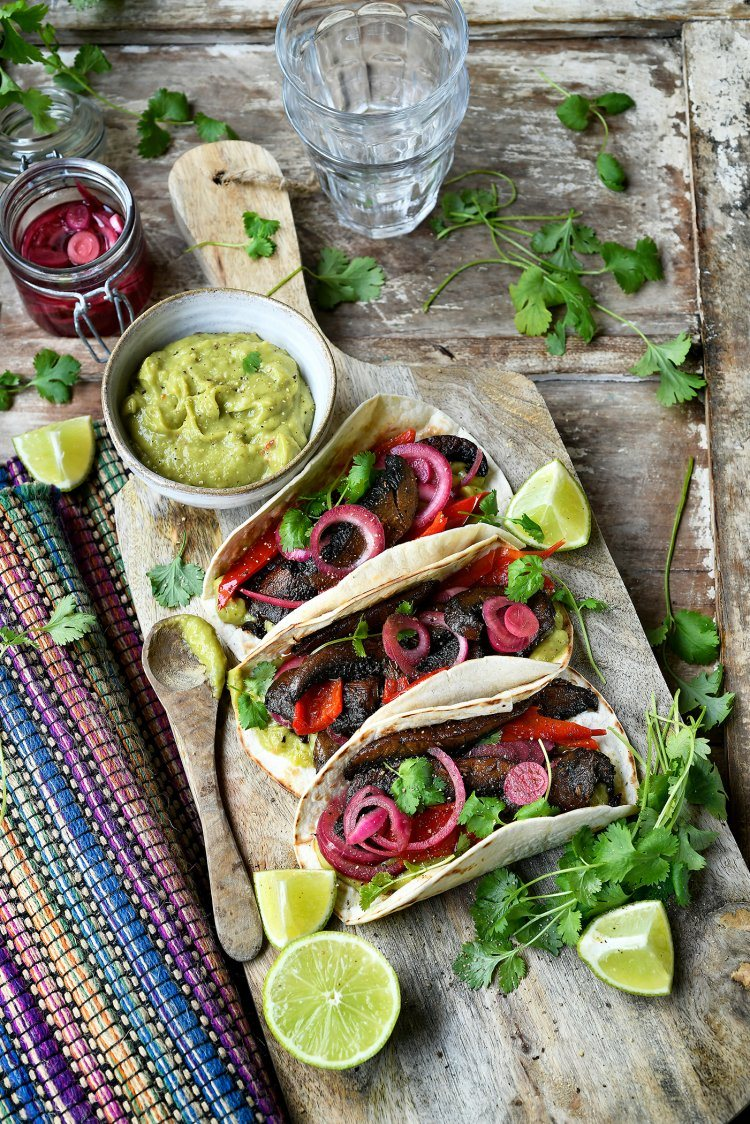 Tortilla's met gerookte portobello's en guacamole