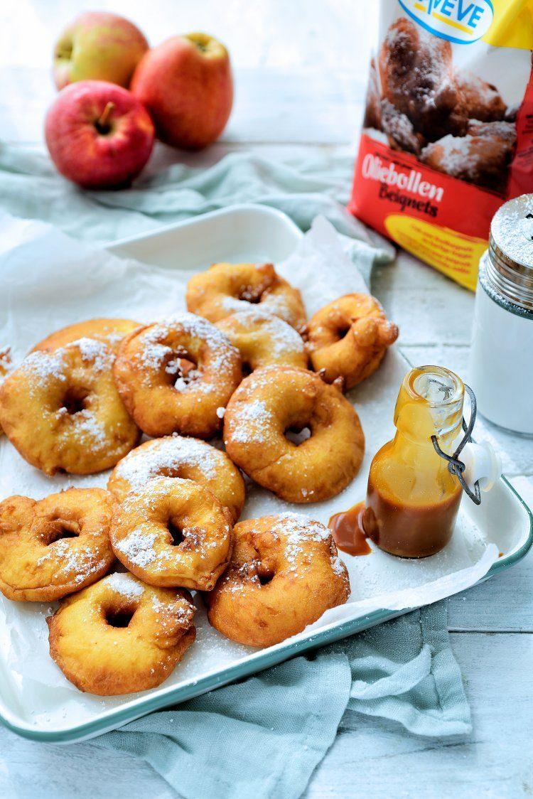 Appelbeignets met een karamelsausje