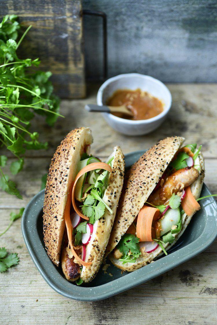 Thaise hotdog met pindasaus