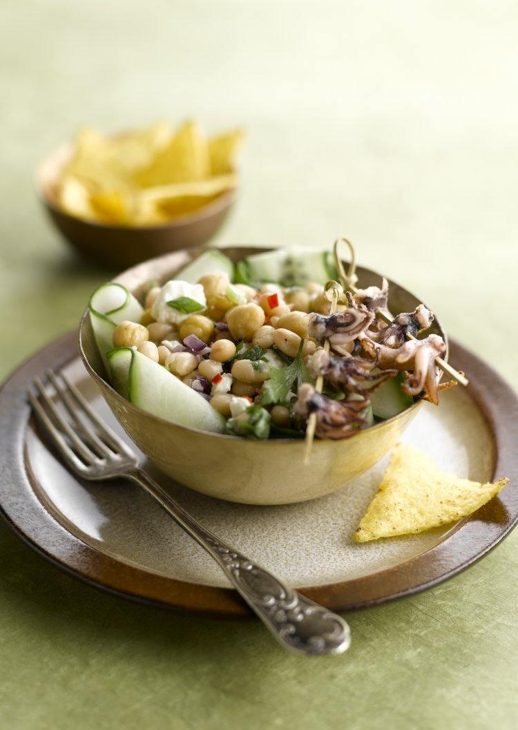 Mexicaanse salade met inktvisjes