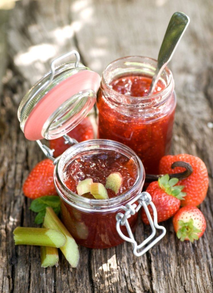 Aardbeienconfituur met rabarber