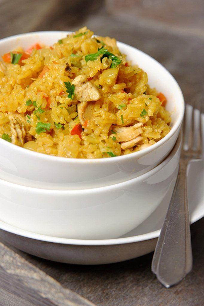 Kruidige rijstschotel met kip