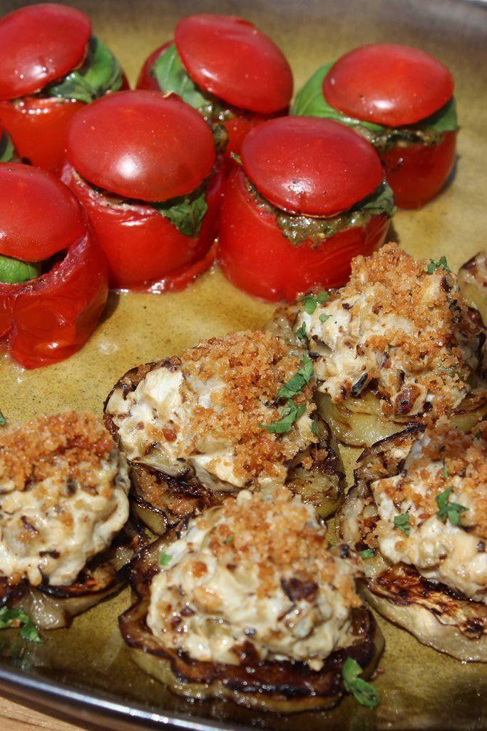Kerstomaatjes gevuld met ratatouille en burrata