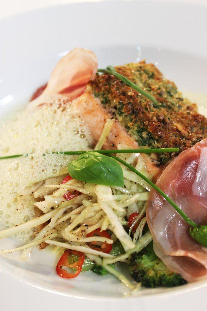 Gegratineerde zalm met witte kool en pancetta