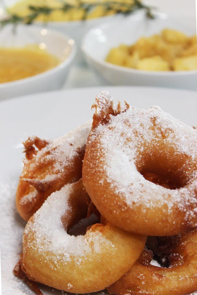 Appelbeignets met appelcompote