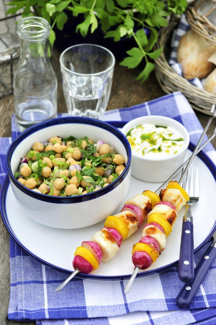 Brochettes van halloumi met munt en yoghurtdip