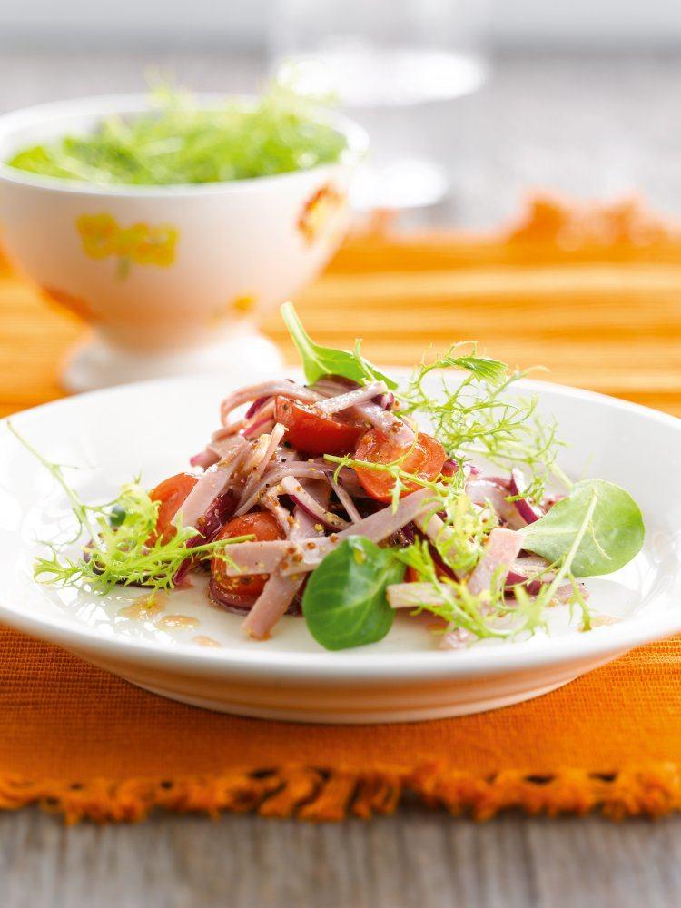 Salade van Breydelham, rode ui en mosterdsla