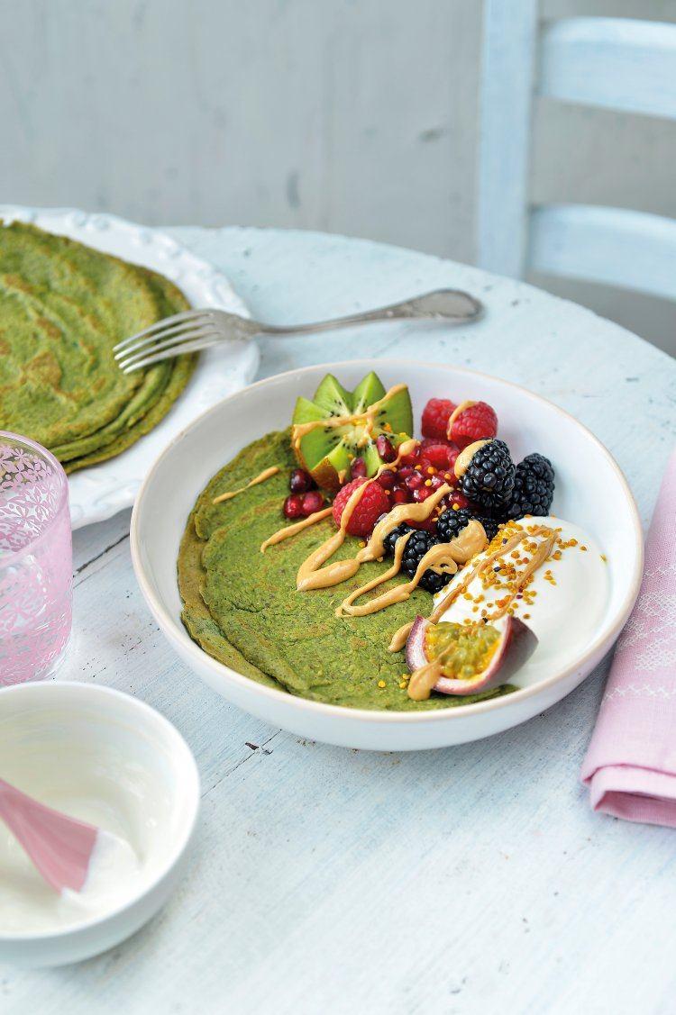 Spinaziepannenkoeken met kwark en fruit