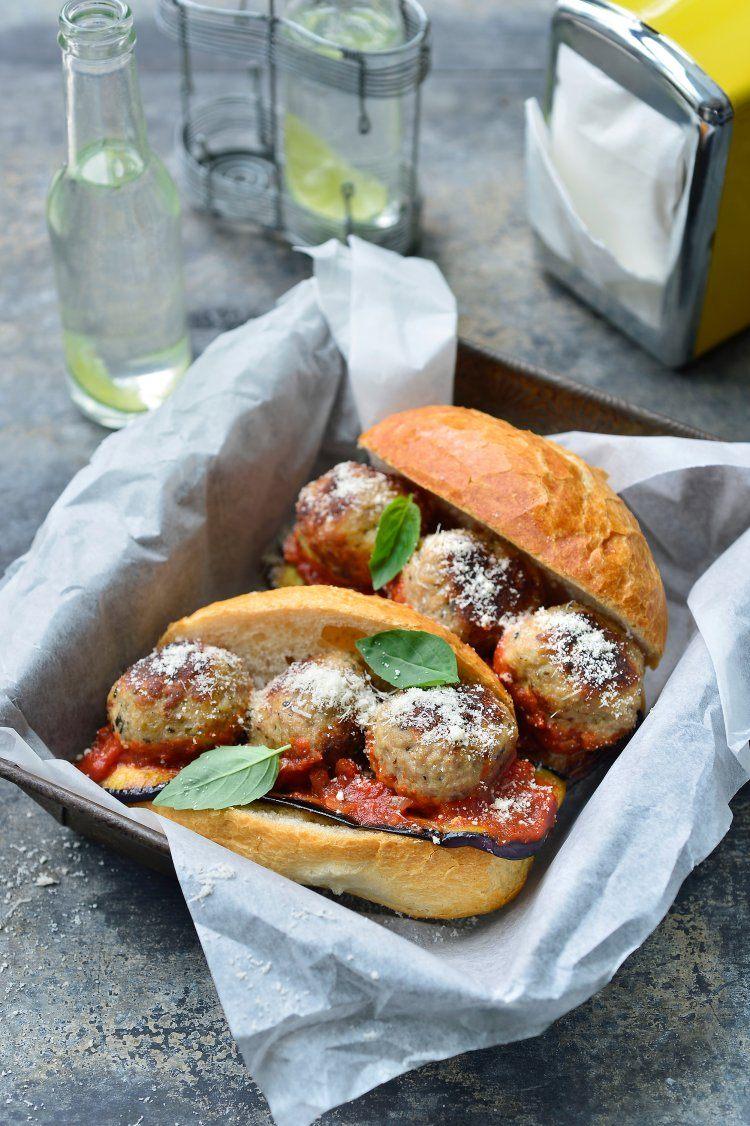 Broodje meatball met aubergine