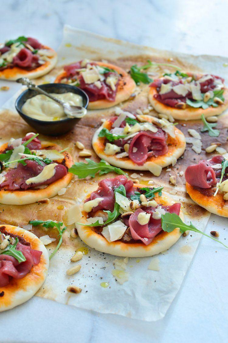 Mini-pizza's met rundscarpaccio