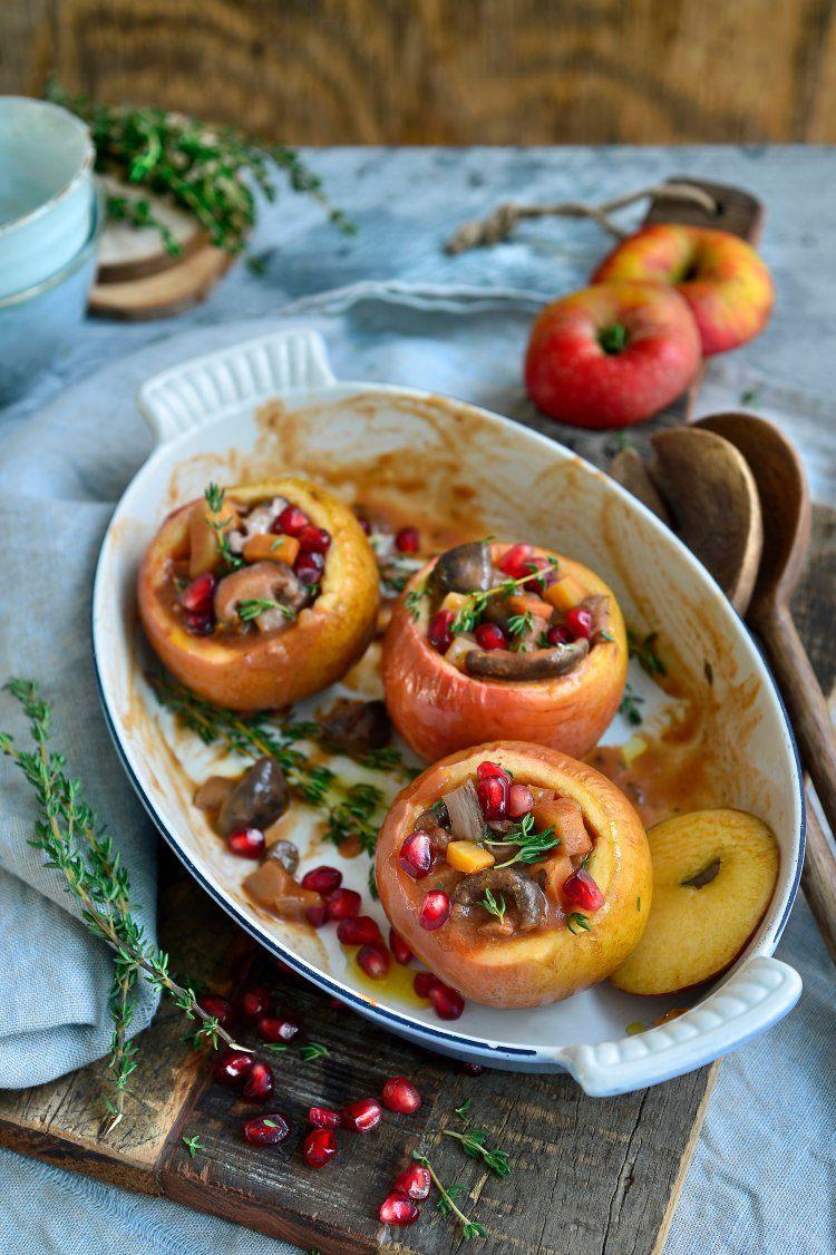 Appeltjes gevuld met stoverij van champignons