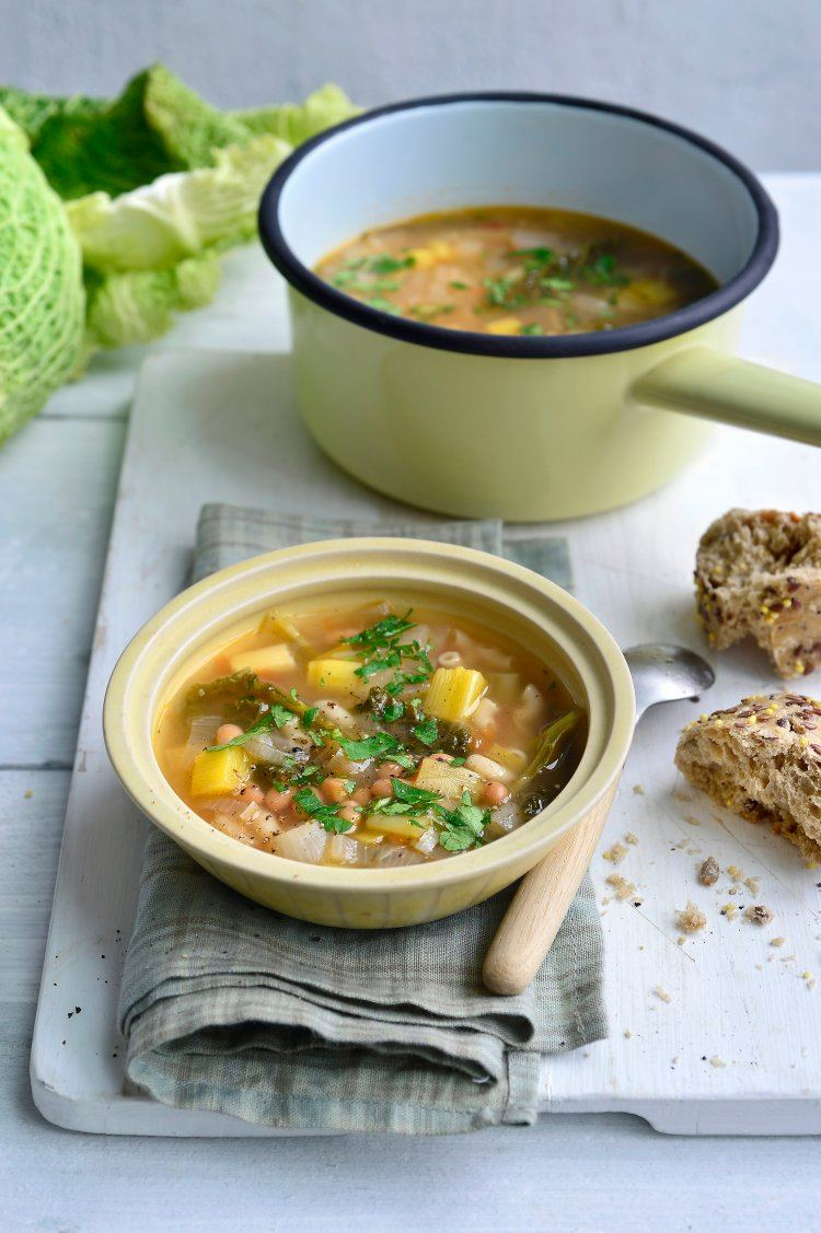 Winterse minestrone met mini-macaroni