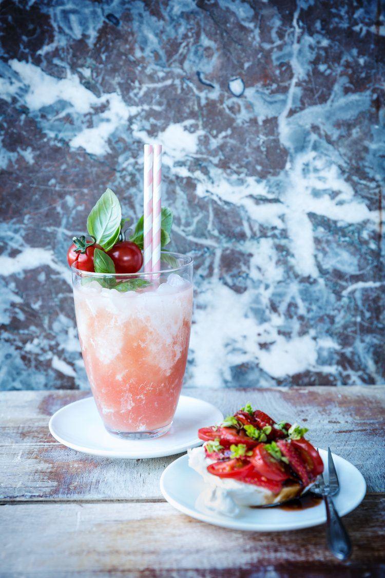 Liquid caprese & Burrata met aardbeien